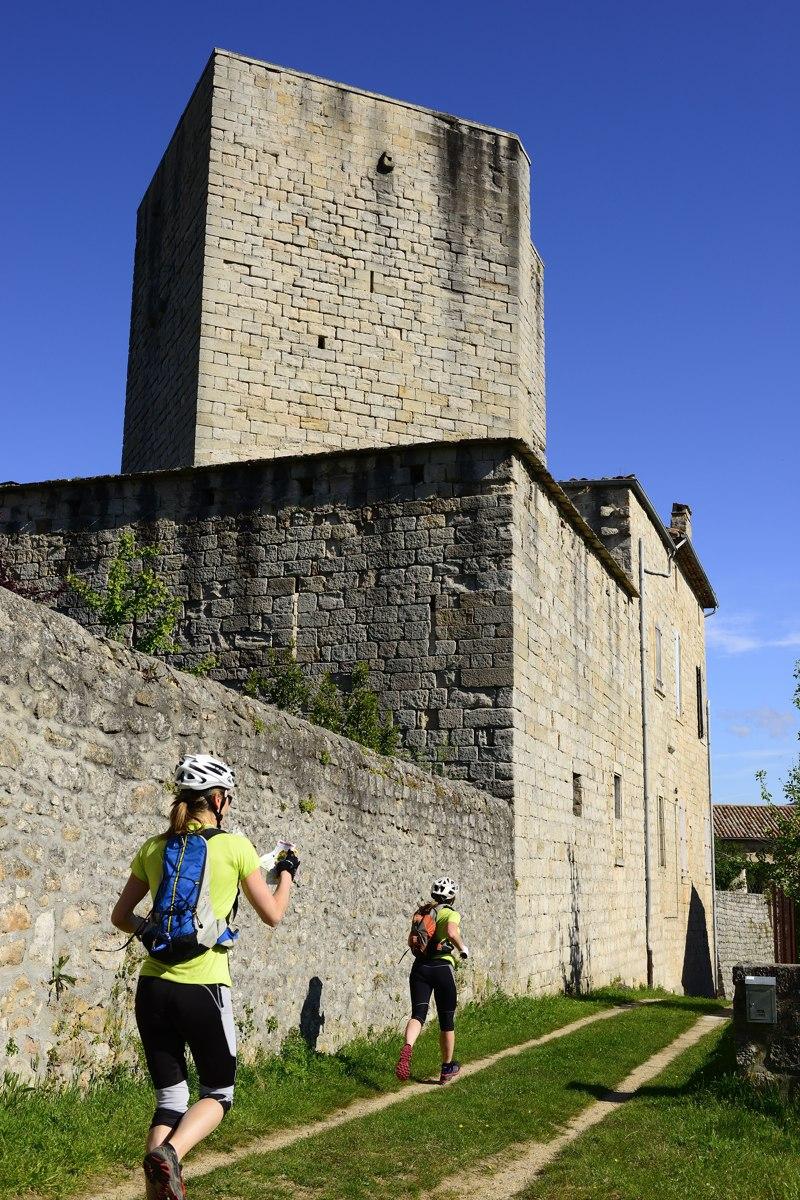Raid O Féminin 2013 - Course d'orientation au pied du Château de Tauriers