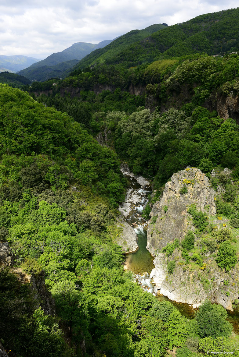 La Chaussée des Géants - L'Ardèche vers le Pont du Diable