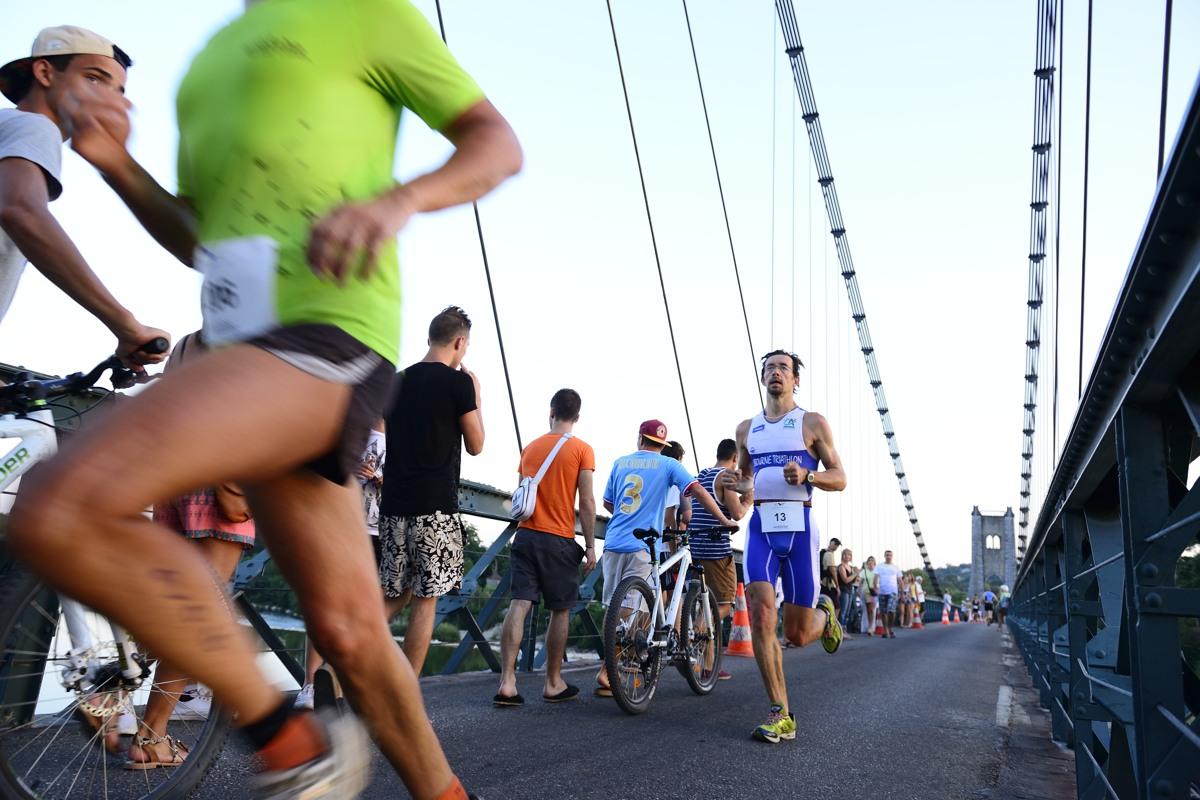 Triathlon des Gorges de l'Ardèche, distance S - Le pont de Saint Martin d'Ardèche, le 23 aout 2013