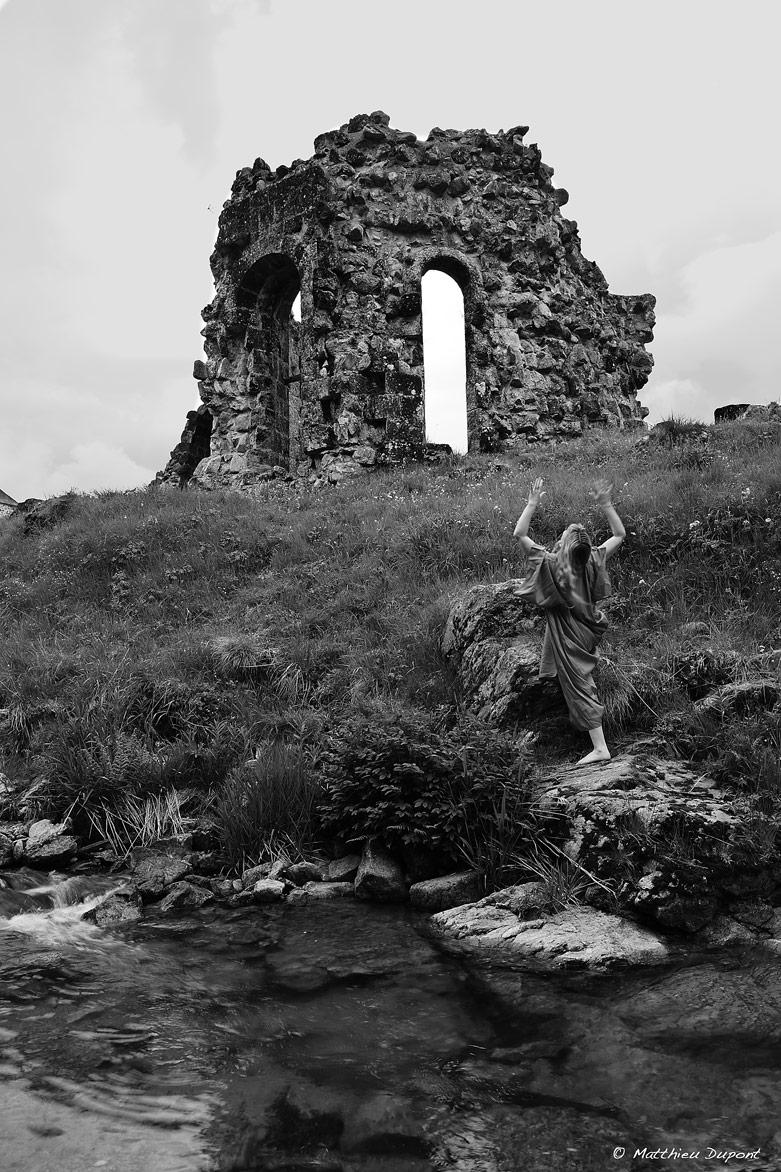 ruine-mazan-abbaye-matthieu